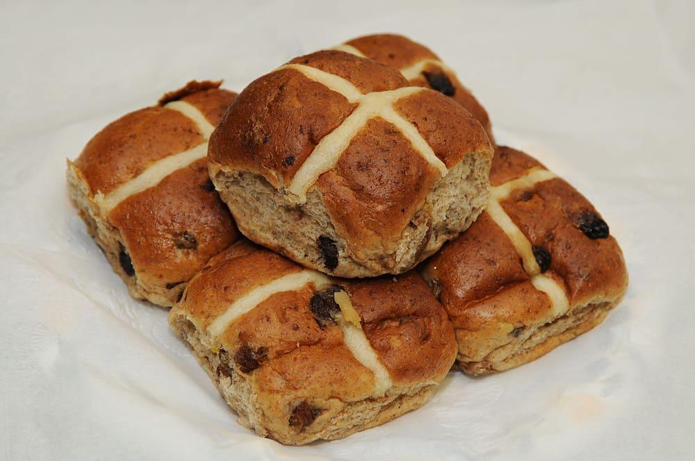 Hot Cross Buns dulces de Pascua típicos de Reino Unido